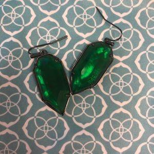 Kendra Scott Palmer earring in emerald